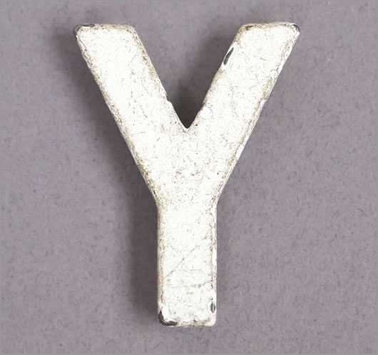 Magnetised vintage iron store sign display letter 'Y'