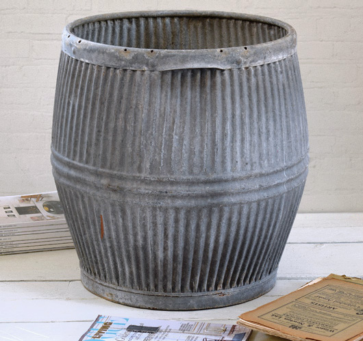 Large early-1900s vintage galvanised zinc dolly tub