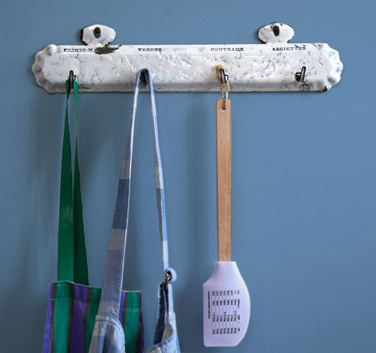 Early-1900s French vintage enamel tea towel hooks