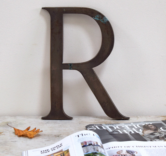 Large brass company sign letter 'R', c. 1900
