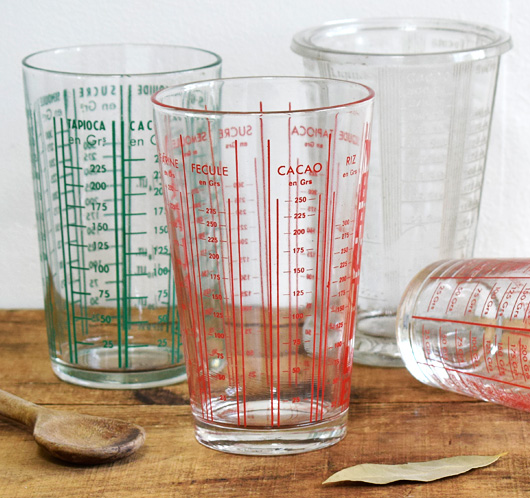 1960s vintage French pint glass kitchen measure