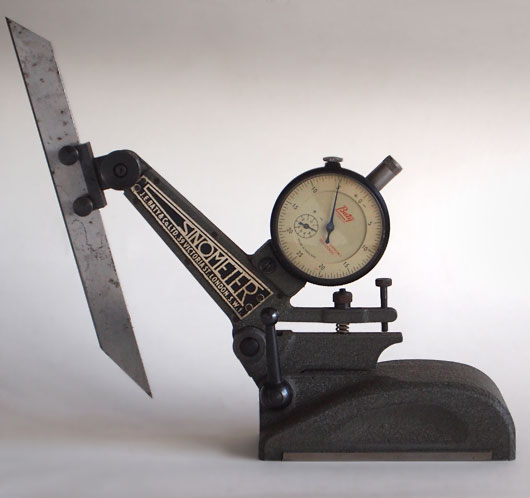 Vintage Sinometer measuring instrument, J. E. Baty & Co, 39 Victoria Street, London SW1, c.1940